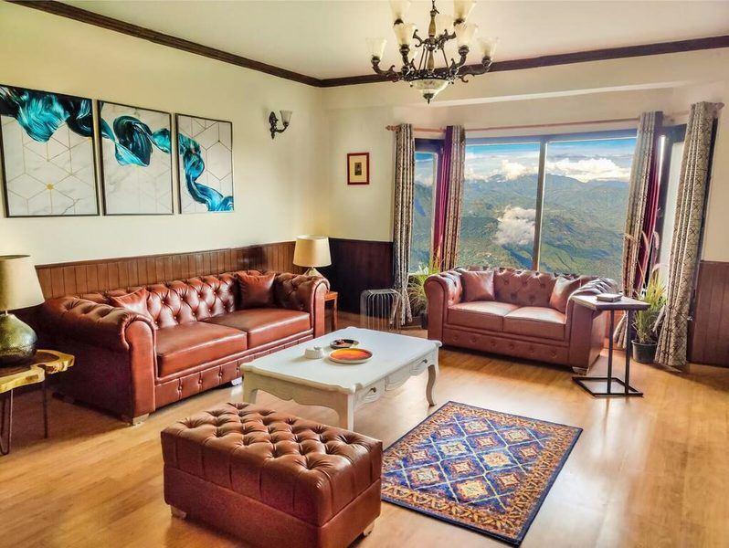 1111-apartment-in-mashobra living-room1