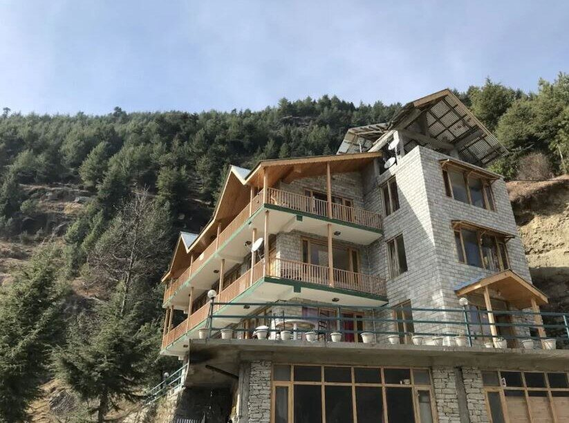 1132-apartment-in-manali property