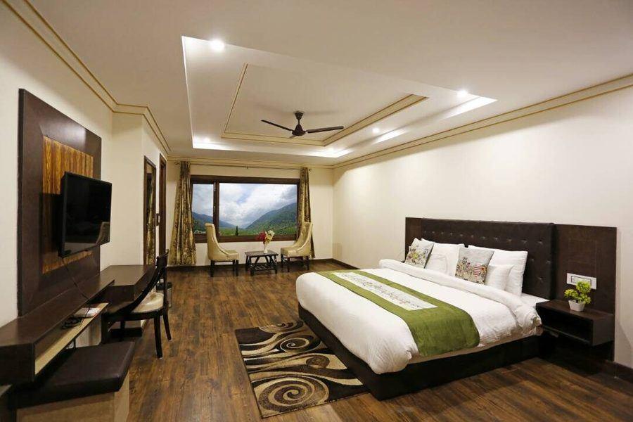 1330-hotel-in-manali 1