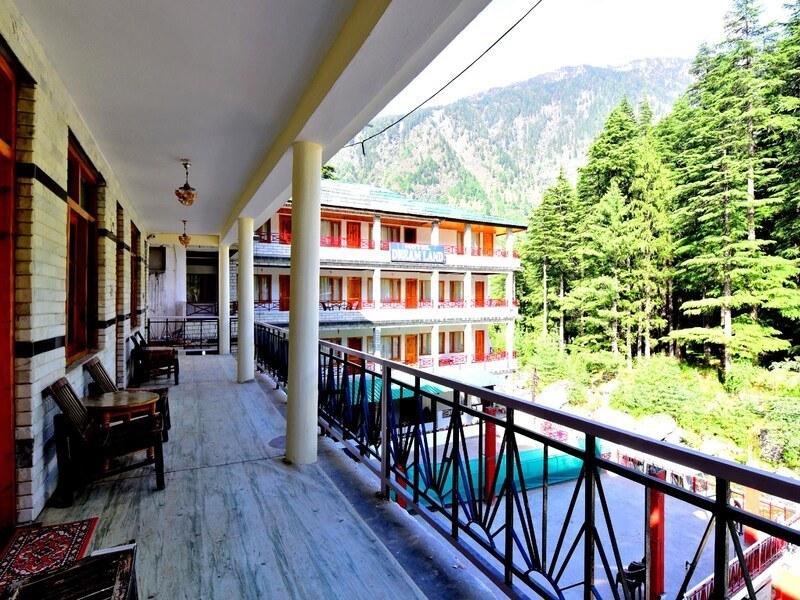 1333-hotel-in-manali 1
