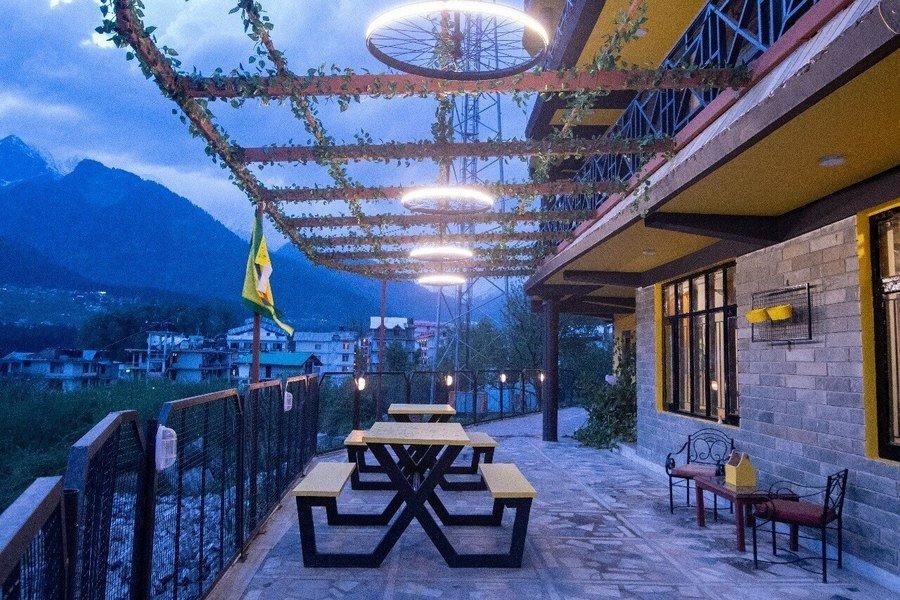 1417-hostel-in-manali 3