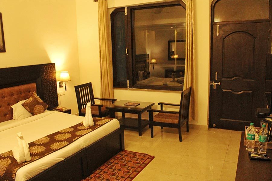 2305-hotel-in-rishikesh suite-room