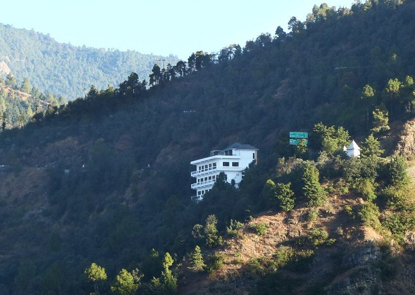 2312-hotel-in-kanatal property
