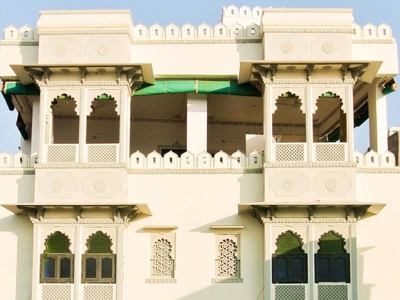 2359-hotel-in-udaipur 1